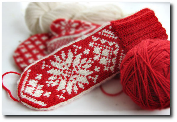 birdaknits-on-esty-scandinavian-mittens