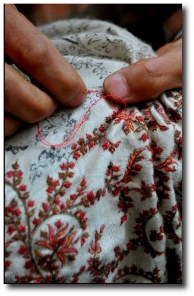 embroidery-the-weavers-in-new-delhi-india