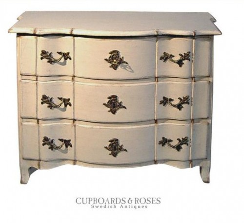 Baroque Bow-Front Commode White Painted Furniture, Gustavian Furniture, Swedish Furniture, Updating Furniture, Swedish Decorating Ideas