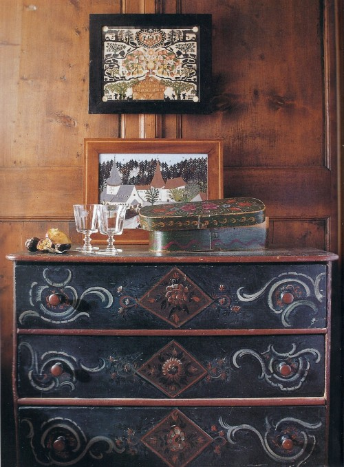 17th century primitive painted homes - Maison jardin century furniture caen ...