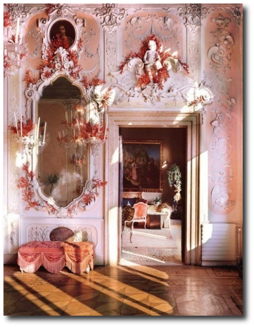 dodie rosenkrans' apartment in the palazzo brandolini in venice decorated by tony duquette 500x643 10 Ways To Use Pink, Orange and Coral In Your Home