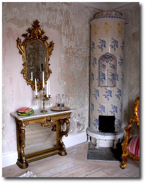 Inredning kakelugn diy : A Nordic Design Staple- The Swedish Kakelugn Tile Stove- Part 2