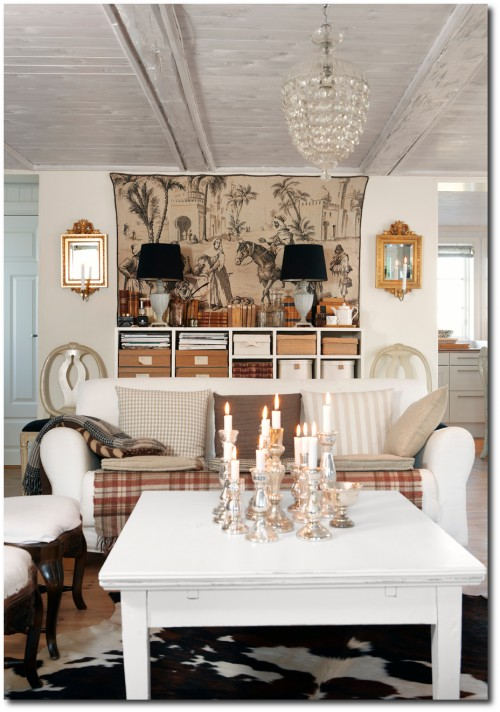Swedish Decorating With Rustic Looks - Sköna Hem- Best Painted Furniture, Black Painted Antiques, Black Painted Furniture, How To Paint, Scandinavian Furniture, Swedish Antiques