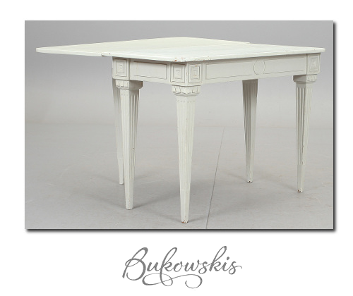 Gustavian Table In White Gray