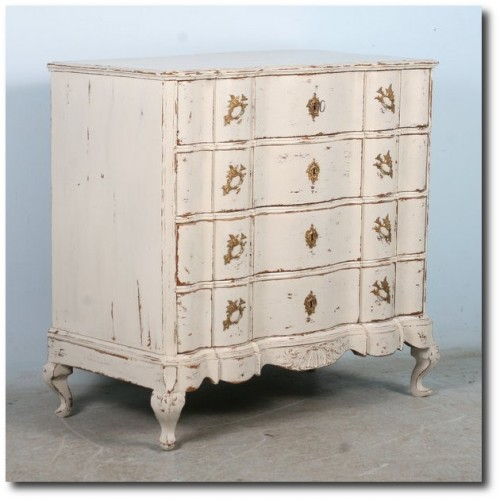 Antique Swedish Large White Chest of Drawers with Serpentine Front White Painted Furniture, Gustavian Furniture, Swedish Furniture, Updating Furniture, Swedish Decorating Ideas