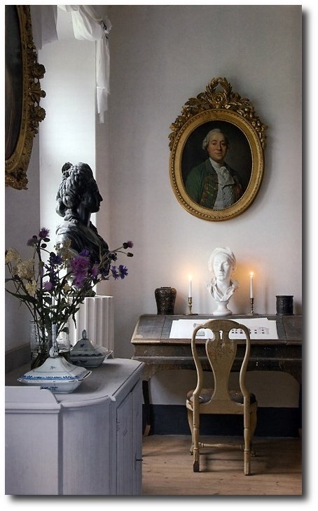 Swedish Rococo Interior- Best Painted Furniture, Black Painted Antiques, Black Painted Furniture, How To Paint, Scandinavian Furniture, Swedish Antiques