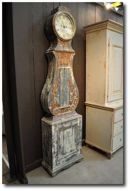 19th century Swedish Mora clock - Visit nordouestantiquites.com
