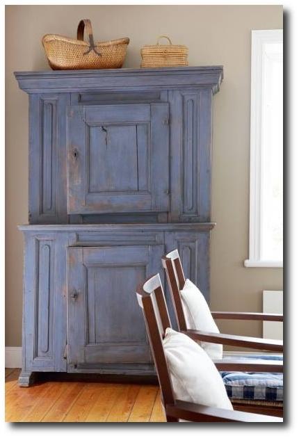 Blue cupboard Visit skonahem