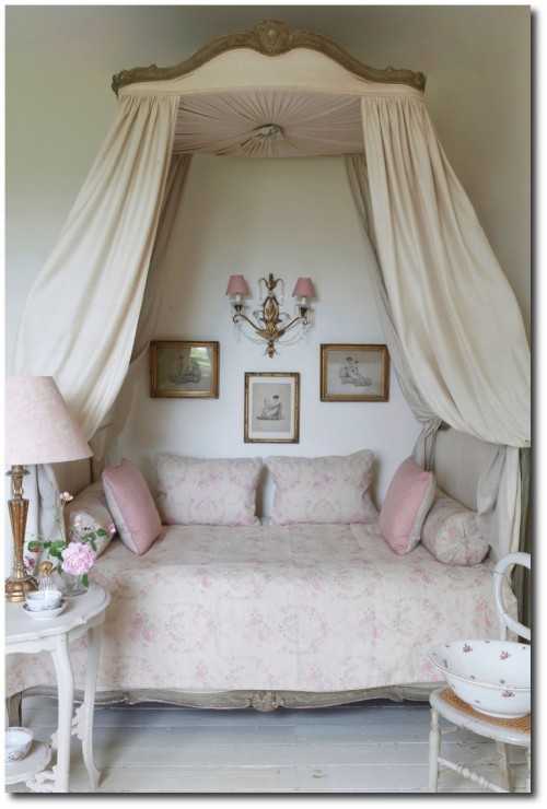 Soft Pink Swedish Furniture Looks