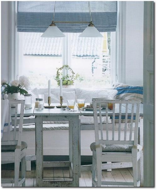 Kennedy Manor Dining Room: Gateleg Tables