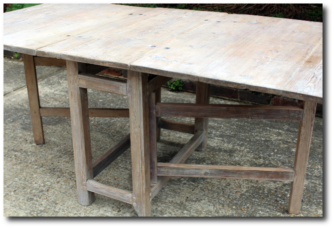 Gateleg Tables - Antique gateleg tables