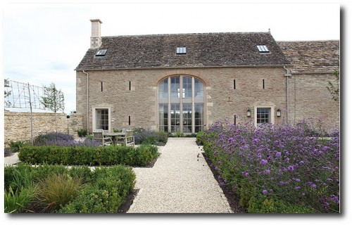 White Interiors -Cotswold's Barn Conversion From Light Locations 1