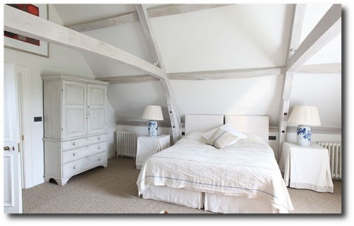 White Interiors -Cotswold's Barn Conversion From Light Locations 5