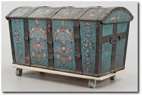 Folk art trunk made by Stenström, from the south of Sweden, 1819. Bukowskis Market