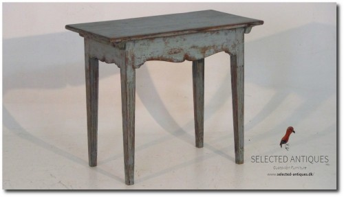 Freestanding consol table. Circa. 1790 - 1810.