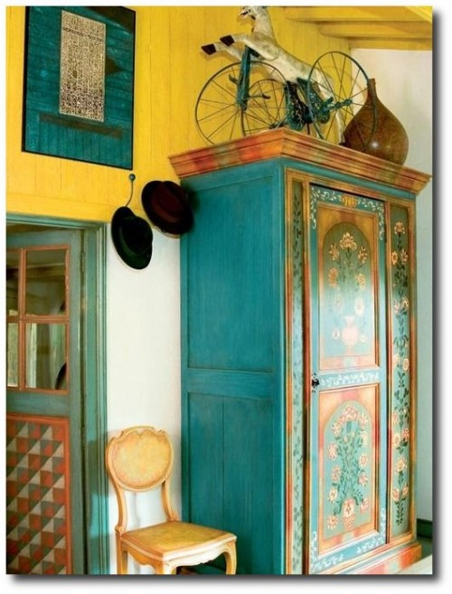 Yellow and turquoise Swedish Folk Interior