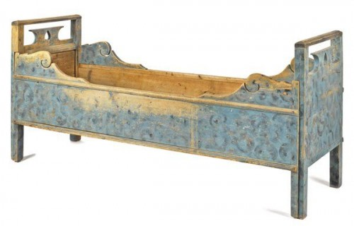 Scandinavian tuck-away daybed, 19th c., Found on liveauctioneers
