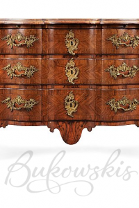 A Swedish late Baroque 18th Century commode