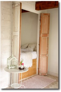 Old Fashioned Decorating- Bedsteads
