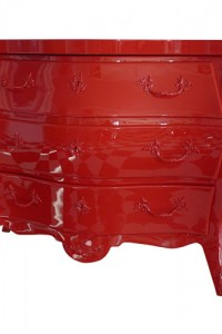 Red-high-gloss-lacquered-bombay-chest